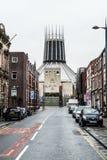 Собор Ливерпуля столичный, взгляд от улицы надежды Стоковые Фото