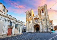 Собор Лиссабона на заходе солнца, Португалии стоковая фотография rf