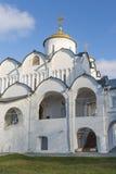 Собор на монастыре St Pokrovsky был построен XVI век в Suzdal Золотое перемещение кольца России Стоковые Изображения