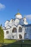 Собор на монастыре St Pokrovsky был построен XVI век в Suzdal Золотое перемещение кольца России Стоковые Фотографии RF
