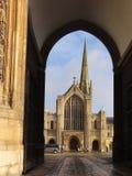 Собор Нориджа через ворота Erpingham стоковые фото