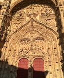 Собор Саламанки с красными дверями Стоковые Фото