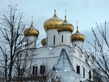 Собор троицы монастыря в зиме, Kostroma Ipatiev, России стоковые изображения rf