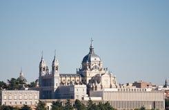 собор almudena стоковое изображение