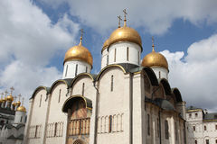 Собор Dormition, в Кремле moscow Россия Стоковые Изображения RF
