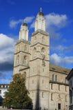 Собор Grossmunster в Цюрихе Швейцарии Стоковые Изображения