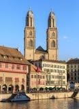 Собор Grossmunster в Цюрихе, Швейцарии Стоковые Изображения
