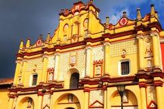 Собор II San Cristobal de Las Casas стоковая фотография rf