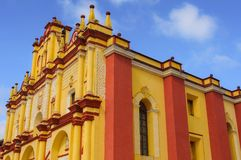 Собор San Cristobal de Las Casas, Чьяпаса, Мексики Стоковые Изображения RF
