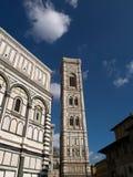 Собор Santa Maria del Fiore и колокольня Стоковая Фотография