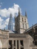 Собор Southwark и черепок, Лондон, Великобритания Стоковое Фото