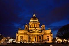 Собор St Исаак на ноче Стоковое фото RF