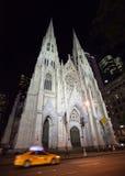 Собор St. Patrick на ноче Стоковое фото RF