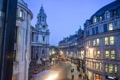 Собор St Paul взгляда ночи Лондона стоковое фото rf