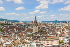 Собор St Peter, ориентир ориентир Цюриха, городской Стоковые Изображения RF