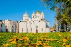 Собор St Sophia русский правоверный на солнечном дне осени в Veliky Новгороде, России Стоковое фото RF