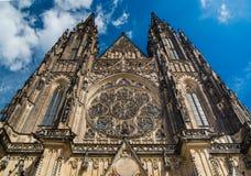 Собор St Vitus в Праге, летнем дне чехии Стоковое фото RF
