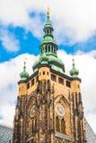 Собор St. Vitus расположенный в Праге, чехословакском в замке Праги стоковое фото rf