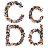 Собрание большой группы людей формируя письмо c и d как в верхней, так и в строчной букве изолированное на белой предпосылке бесплатная иллюстрация