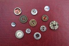 Собрание винтажных кнопок металла Стоковая Фотография