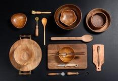 Собрание деревянных шаров и утварей кухни Стоковое Фото