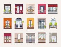 Собрание окон и балконы современных и старомодных стилей Пачка элегантных украшений здания бесплатная иллюстрация