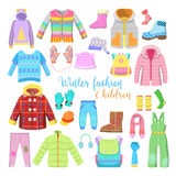 Собрание одежд и аксессуаров зимы детей с куртками, шляпами и свитерами Стоковые Фотографии RF