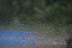 собрание падает окно дождя природы стоковое изображение rf
