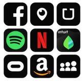 Собрание популярных черных социальных средств массовой информации, значков логотипа дела стоковые фотографии rf