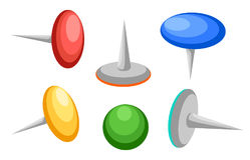 Собрание различных штырей нажима thumbtacks Взгляд сверху также вектор иллюстрации притяжки corel белизна изолированная предпосыл Стоковые Изображения RF