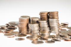 Собрание различных валют от стран глобус Стоковая Фотография