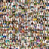 Собрание различных кавказских женщин и людей выстраивая в ряд от 18 стоковое фото