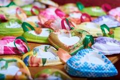 Собрание рождества, подарки в форме сердец стоковая фотография rf
