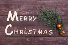 Собрание рождества, коробка подарков, дерево и декоративный шарик, на деревянной предпосылке Стоковая Фотография RF