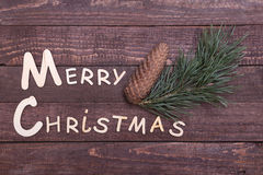 Собрание рождества, коробка подарков, дерево и декоративный шарик, на деревянной предпосылке Стоковое Изображение RF