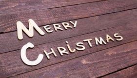 Собрание рождества, коробка подарков, дерево и декоративный шарик, на деревянной предпосылке Стоковые Изображения RF