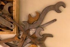 Собрание старого ржавого wrenche Стоковые Фотографии RF