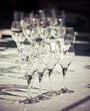 Собрание чисто, пустых стекел для воды или вина Стоковая Фотография RF
