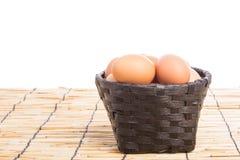 Собрание яичка в корзине Стоковые Фотографии RF