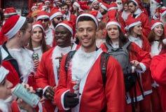 Событие SantaCon в Лондоне стоковое фото