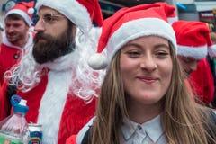 Событие SantaCon в Лондоне стоковое изображение