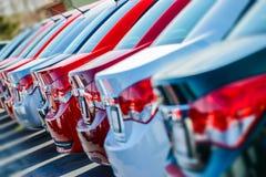 Совершенно новые автомобили в запасе Стоковые Фото