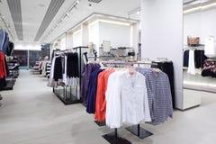 Совершенно новый интерьер магазина ткани Стоковые Фото