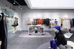 Совершенно новый интерьер магазина ткани Стоковая Фотография RF