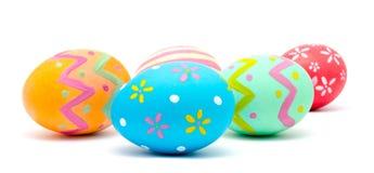 Совершенные красочные handmade изолированные пасхальные яйца стоковая фотография