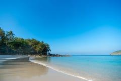 Совершенный тропический пляж рая острова Стоковая Фотография RF