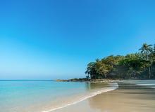 Совершенный тропический пляж рая острова Стоковые Изображения