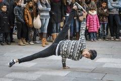 Совершитель улицы танцев хмеля вальмы Стоковые Изображения RF
