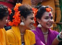 Совершители танца девушки на фестивале весны Стоковое Изображение