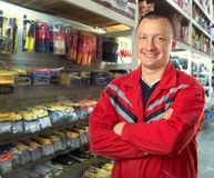 Советник в магазине инструментов Стоковые Изображения RF
